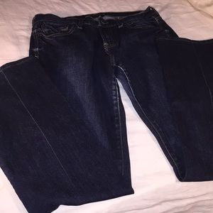 GREAT PAIR OF LUCKY BRAND JEANS